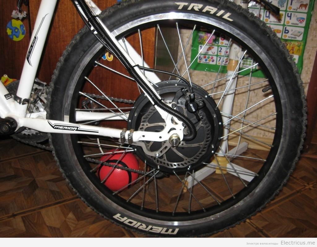 Крепление усилителя дропаута мотор колеса.